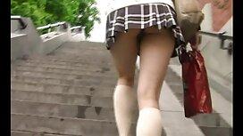 الفرخ يرسم أظافر في تنورة قصيرة دون سكسي نار اجنبي سراويل